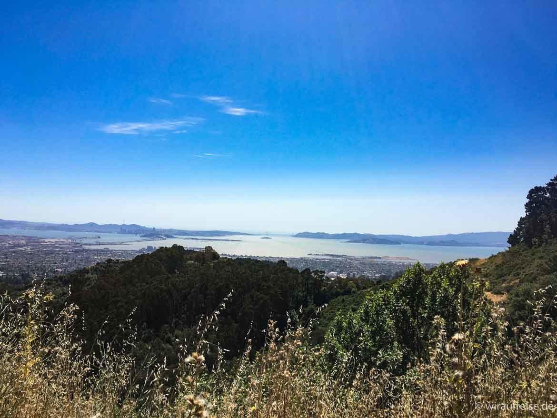 Ausblick über die Bay Area San Francisco Kalifornien bis zur Golden Gate Bridge