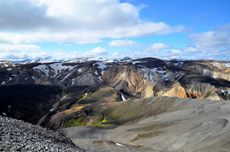 Gebirge auf Island - Landmannalaugar- weitere Informationen unter www.wiraufreise.de