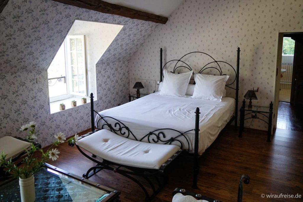 Schlafzimmer im Gutshof Manoir de Montflambert