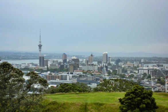 Ausblick über Auckland, aufgenommen auf dem Mount Eden neuseeland nordinsel