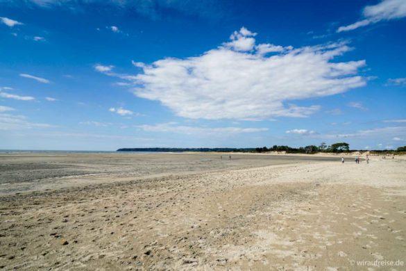 Langer weißer Sandstrand Plage du Bec d'Andaine in Genêts