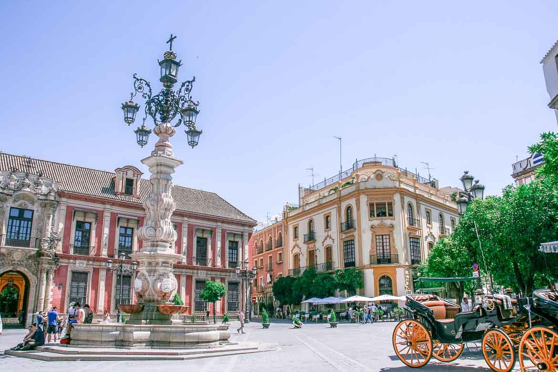 Sevilla in Spanien. Weitere Informationen bei der Blitzparade auf www.wiraufreise.de.