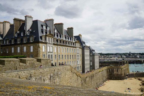 Saint-Malo mit Stadtmauer