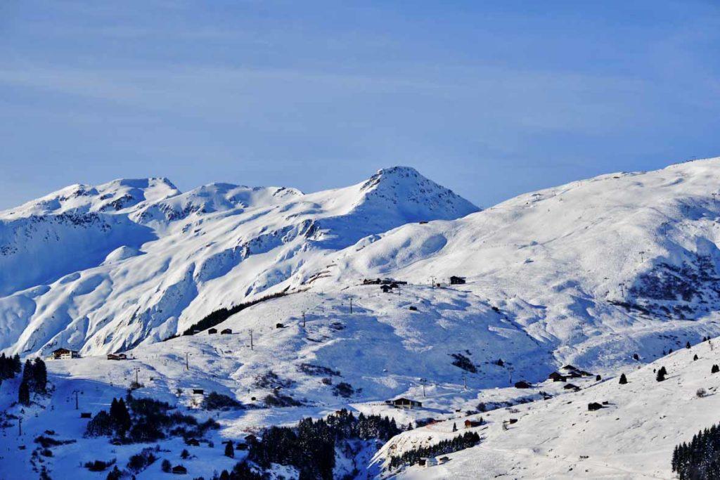 Skigebiet Sedrun-Andermatt am Oberalppass in den Schweizer Alpen