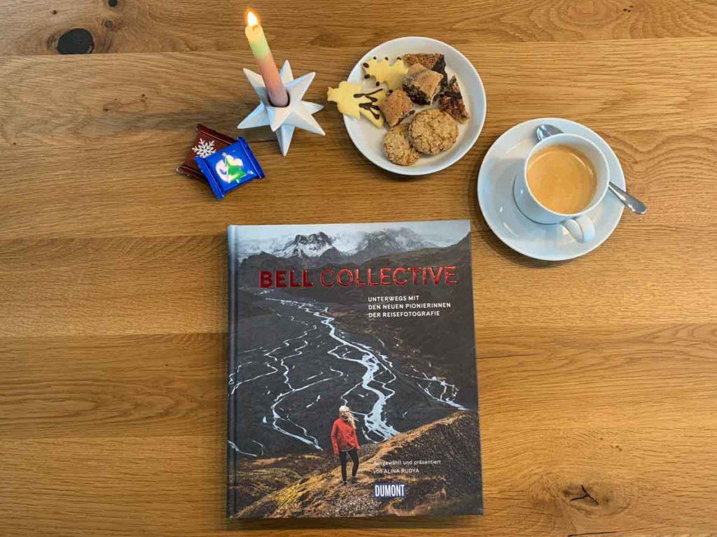 Bildband, Kaffee, Kekse und Kerze