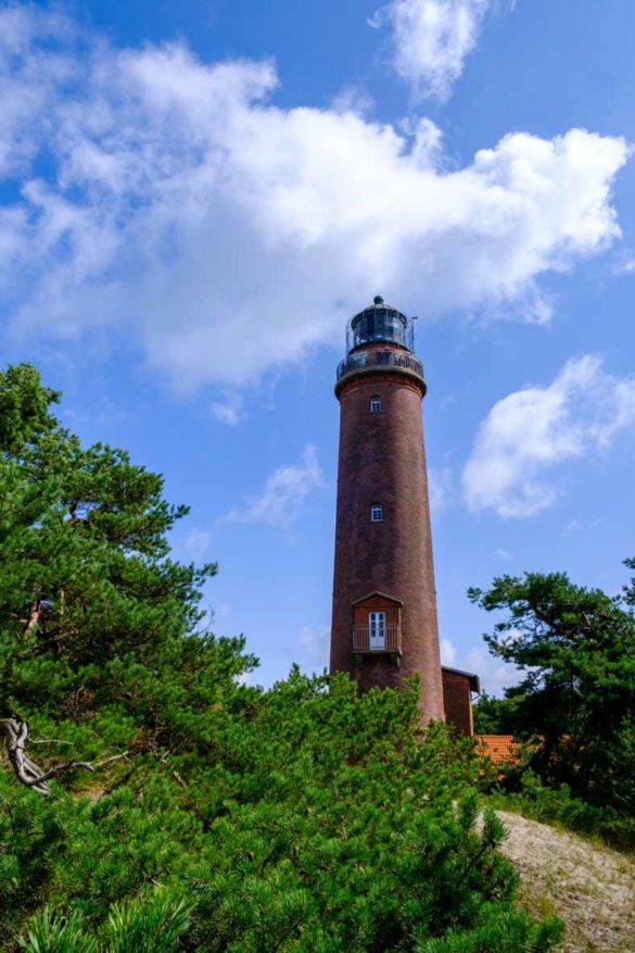 Der Leuchtturm am Darßer Ort im Nationalpark Vorpommersche Boddenlandschaft