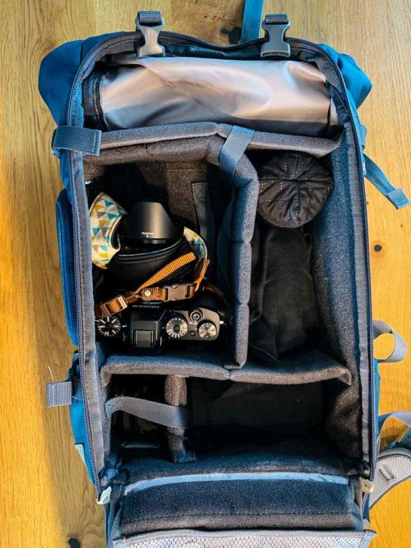 Bild eines geöffneten Fotorucksacks