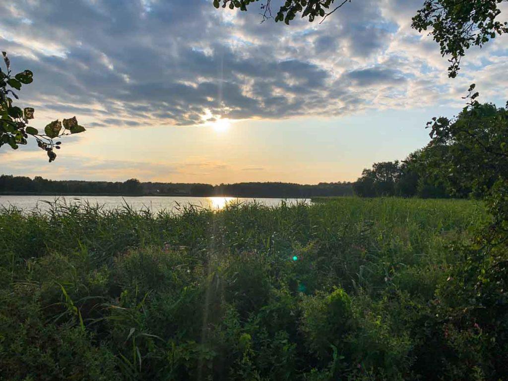 Blick auf den Kölpinsee am Abend